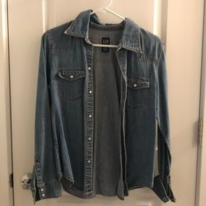 Gap jean shirt size M